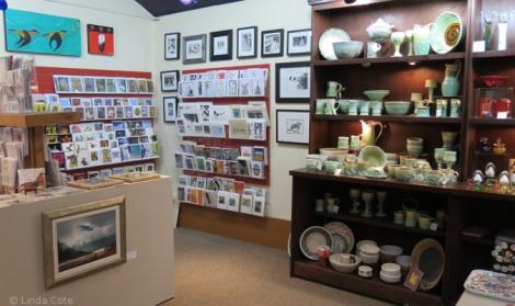 LINDA COTE-Bluerock Gallery interior3
