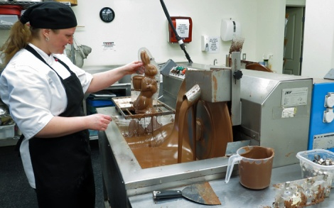 LINDA COTE-Le Chocolatier Bea 5