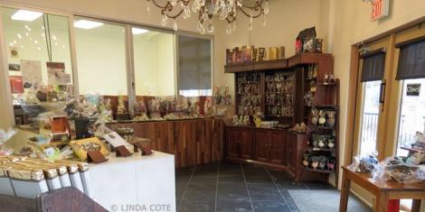 LINDA COTE-Le Chocolatier interior1