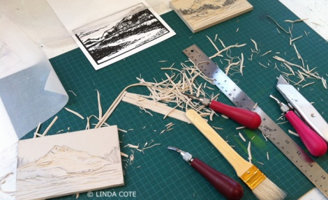 LINDA COTE-Carving the piece