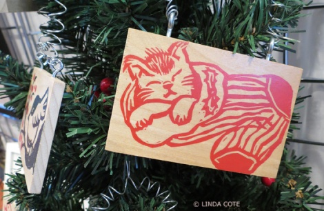 LINDA COTE-Ornaments Kitty