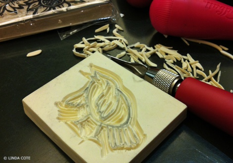 LINDA COTE-Suitcase Carving
