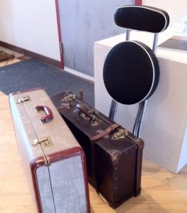 LINDA COTE-Suitcase pack up