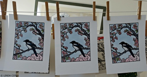 LINDA COTE-Painted Magpie Prints